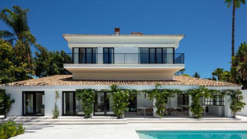 Andalusian style villa front line golf Las Brisas, Nueva Andalucia_Realista Quality Properties Marbella