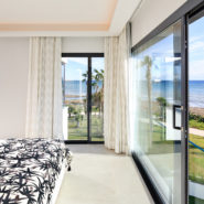 Estepona villa The Island front line beach_Realista Quality Real Estate Marbella