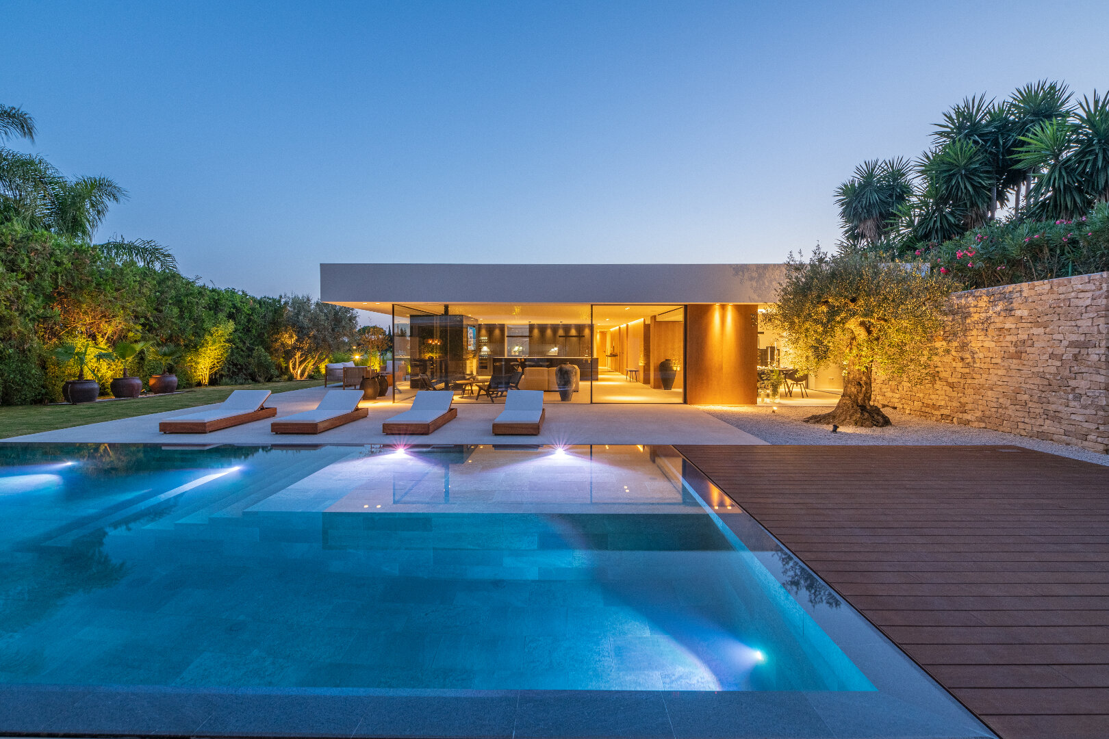 Ibiza style villa La cerquilla Nueva Andalucia Marbella_Realista Quality Real Estate